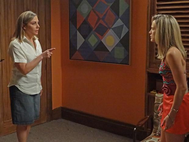 Beatriz diz poucas e boas para Vitória, sua verdadeira filha (Foto: Boogie Oogie/TV Globo)