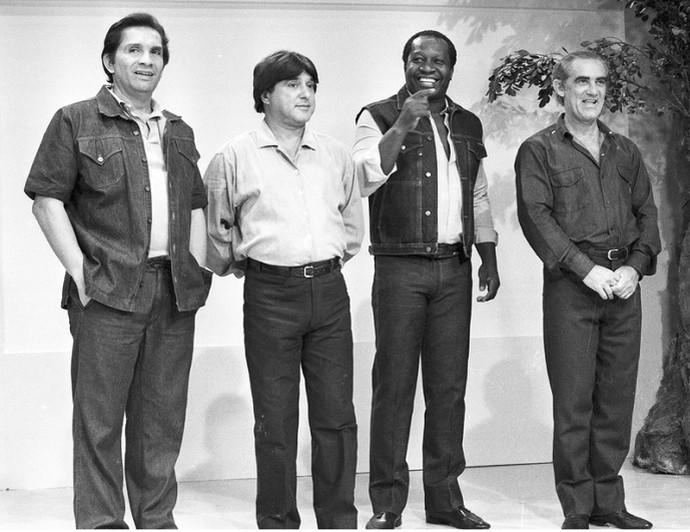 Mussum em performance com a trupe de Os Trapalhões (Foto: CEDOC/TV Globo)
