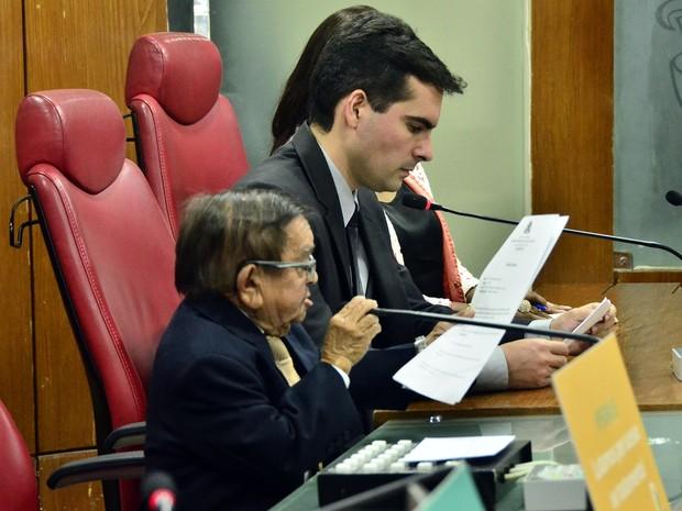 Santino (esq.) e Lucas (dir.) se destacaram em lados opostos na propositura de leis em 2016 (Foto: Olenildo Nascimento/CMJP)
