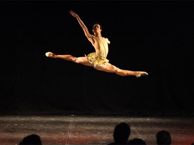 Luzemberg aprendeu o que era o balé na Escola Bolshoi (Foto: Vanderléia Macalossi/Divulgação Bolshoi)