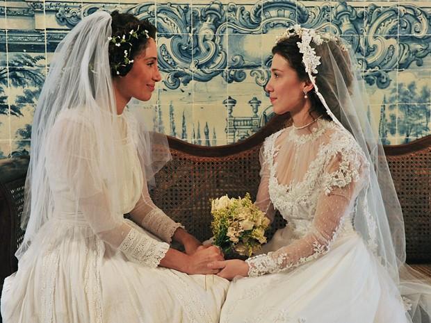 Isabel e Laura firmaram um laço de amizade para a vida toda (Foto: Lado a Lado/TV Globo)
