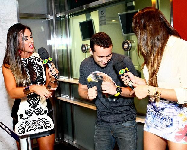 Nicole Bahls, Rodrigo Andrade e Renata Molinaro (Foto: Raphael Mesquita/Foto Rio News)