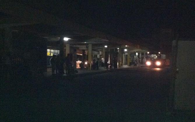 Terminal de Vila Velha também ficou ás escuras, no Espírito Santo (Foto: Juliana Borges)