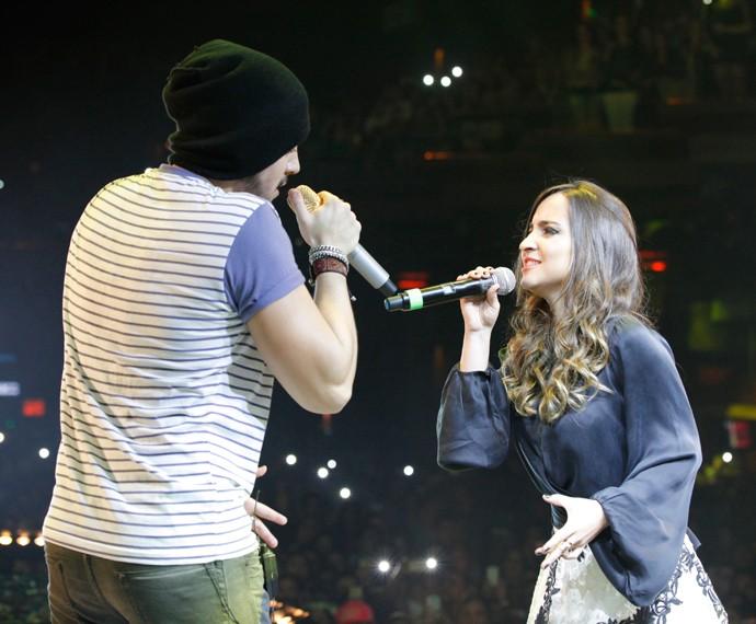Luan Santana conheceu Barbara Dias no palco do Domingão (Foto: Artur Meninea/TV Globo)