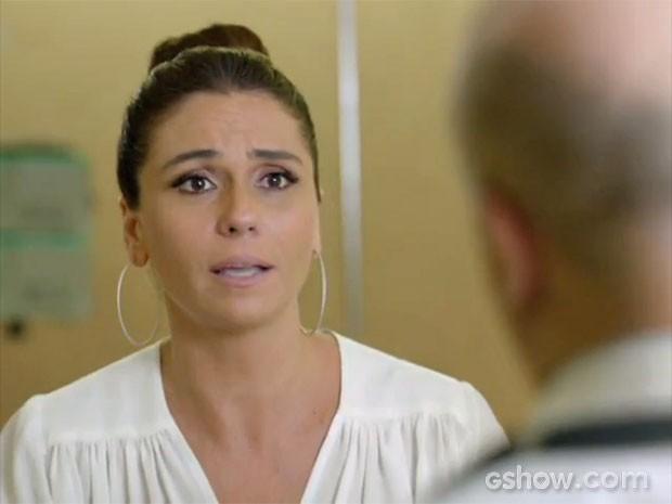 Clara teme pela saúde de Cadu (Foto: Em Família/TV Globo)