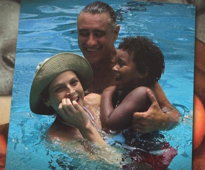 Drica se diverte com o filho, Mateus (Foto: TV Globo)