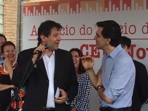 O prefeito Fernando Haddad e o secretário municipal de educação Gabriel Chalita (Foto: Tatiana Santiago/G1)