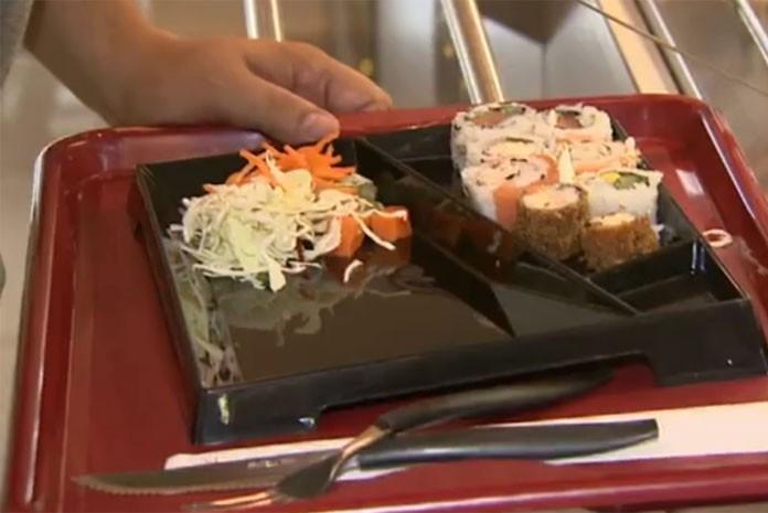 Restaurante usa prato e copo recicláveis para economizar na conta de água em Campinas