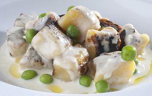 Nhoque de batata-baroa ao molho branco com cream cheese