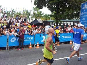 Após emagrecer, homem passou a participar de provas de corrida (Foto: Arquivo Pessoal / Gustavo Zanaroli)