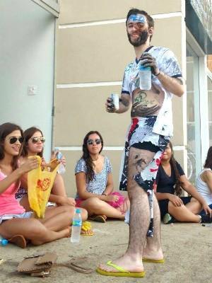 Jovem levou trote dos amigos quando a lista foi divulgada (Foto: Arquivo Pessoal)