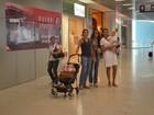 Isabel do vôlei embarca com a família em aeroporto do Rio