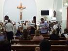 Familiares pedem justiça em missa de um ano da morte de gerente do BB