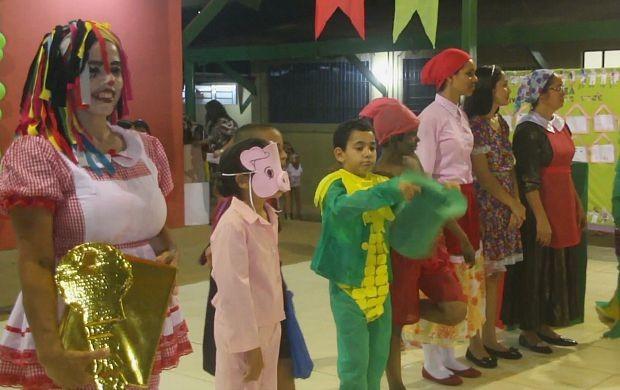 Projeto em escola de Ji-Paraná homenageia Monteiro Lobato (Foto: Bom Dia Amazônia)