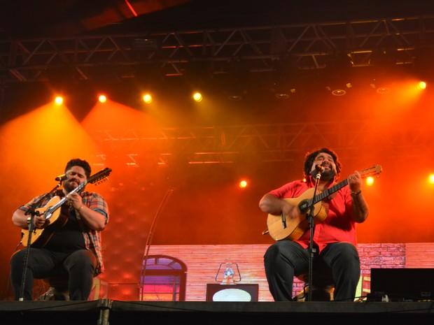 César Menotti e Fabiano cantaram pela primeira vez em Ariquemes (Foto: Jonatas Boni/ G1)