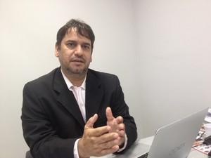 Flávio Mendes, advogado contratado pela família da vítima (Foto: Dyepeson Martins/G1)