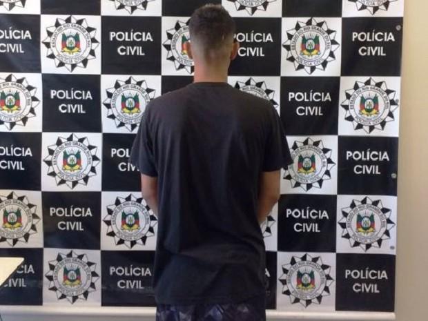 Homem de 19 anos foi preso por divulgar vídeo de menor sendo estuprada (Foto: Polícia Civil/Divulgação)