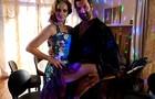 Alexandra Richter e Gil Hernandez surpreendem caracterizados para bailar (Foto: Malhação / TV Globo)