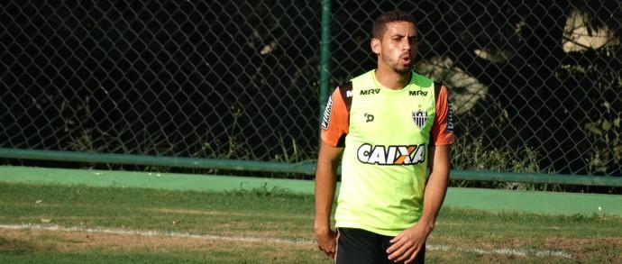 Com a lesão do capitão, Gabriel será o titular na zaga atleticana ao lado de Erazo (Foto: Guilherme Frossard)