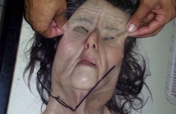 Preso usou máscara com rosto de idosa para tentar fugir de presídio de Aparecida de Goiânia, Goiás (Foto: Reprodução/TV Anhanguera)