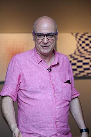 Professor de Arquitetura da USP, crítico de arte e curador, Agnaldo Farias é autor de diversos livres sobre a arte brasileira (Foto: Ares Soares/Unifor)