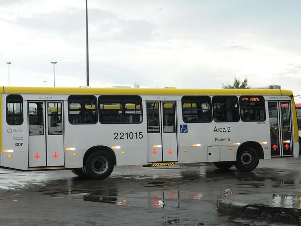 Ônibus da Pioneira na Rodoviária do Plano Piloto (Foto: Renato Araújo/Agência Brasília)