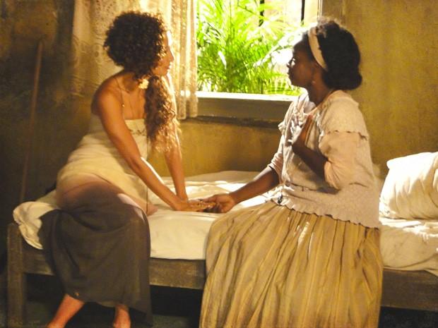 Jurema diz que Isabel deve se apresentar (Foto: Lado a Lado/TV Globo)