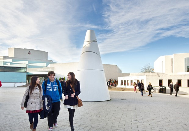 Campus da Warwick University na Inglaterra (Foto: Divulgação)