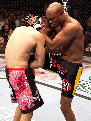 Anderson Silva na luta do UFC contra Rich Franklin em 2006 (Foto: Getty Images)