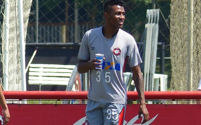 Douglas Coutinho, Atlético-PR (Foto: Monique Silva)