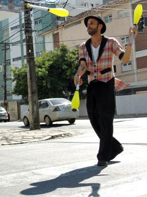 Para Wally, a maior vantagem da rua é ver a emoção das pessoas (Foto: Marina Barbosa / G1)