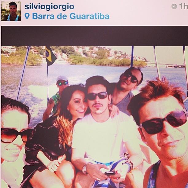 Sabrina Sato com o namorado em dia de passeio (Foto: Reprodução/Instagram)