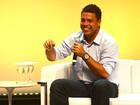 Ronaldo evita falar de affair durante evento em São Paulo