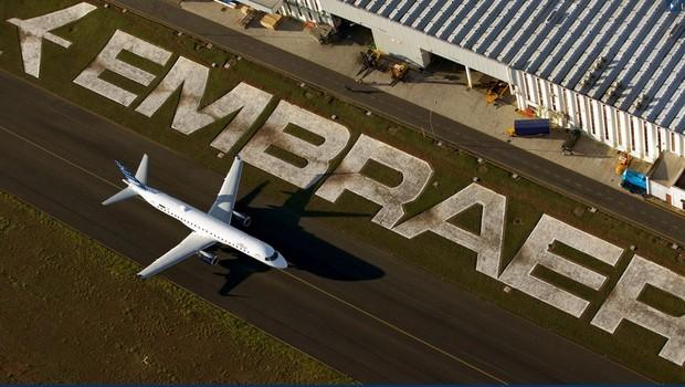 Pista da fábrica da Embraer (Foto: Divulgação)