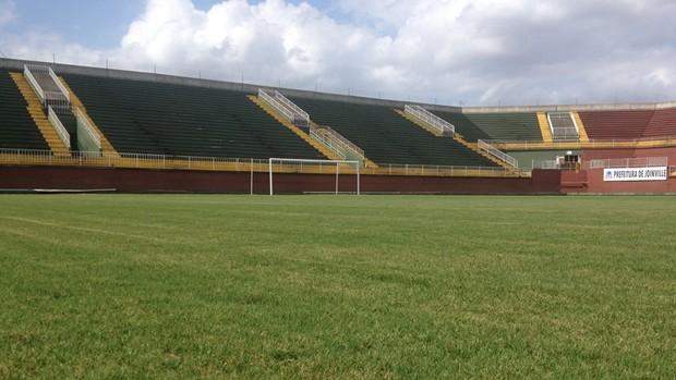 Arena Joinville está com gramado novo (Foto: Divulgação, Joinville)