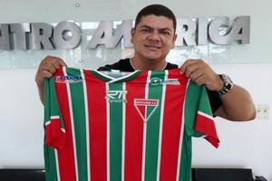 Olione Constantino, camisa do Operário FC (Foto: Divulgação/TVCA)