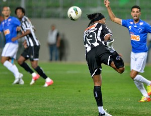 Ronaldinho Gaúcho Atlético-MG x Cruzeiro (Foto: Pedro Vilela / Futura Press)