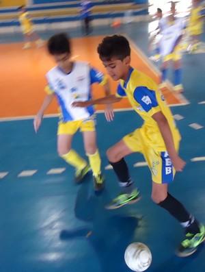 Escolinha de futsal da AABB fomenta esporte e os estudos de seus alunos (Foto: GLOBOESPORTE.COM)