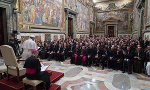 Papa pede que padres evitem bronca no confessionário e acolham pecador