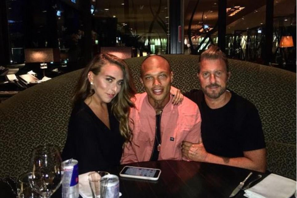 A foto compartilhada pela socialite Chloe Green com o modelo Jeremy Meeks (Foto: Instagram)