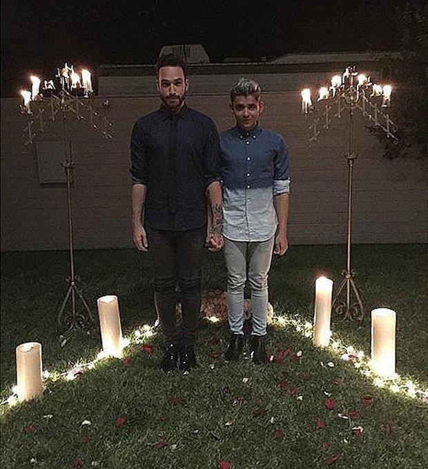 Vittorio Masecchia e Felipe Nogueira, que tiveram casamento ministrado por Kesha (Foto: Reprodução)
