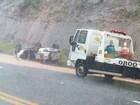 Motorista perde controle de carro em curva e capota em rodovia de Jarinu