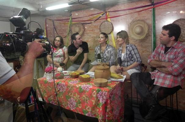 Bastidores da gravação do especial Cidade Junina (Foto: Katylenin França)