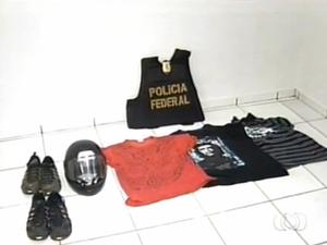 Objetos apreendidos durante a Operação Chasque em Gurupi (Foto: Reprodução/TV Anhanguera)