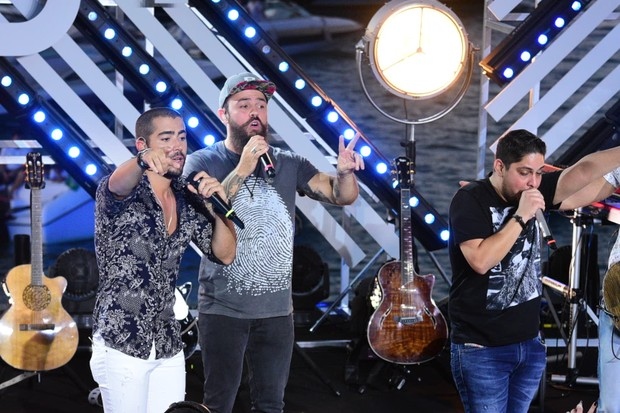 Rafa e Pipo Marques cantam com Jorge e Mateus (Foto: Leo Franco / AgNews)