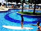 Adriane Galisteu posta foto do filho surfando: 'Amor que não se mede'
