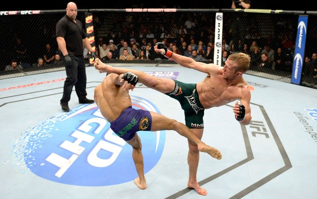UFC TJ Dillashaw x Mike Easton MMA (Foto: Getty Images)