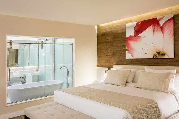 O hotel da Barra, assinado por Lenny, já aposta num clima mais praiano e descolado (Foto: Tomas Rangel)
