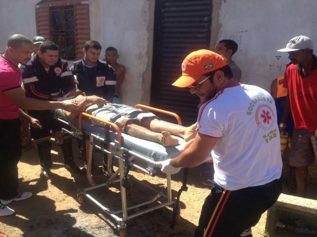 Vítima foi socorrida pelo Samu (Foto: Blog do Sigi Vilares)