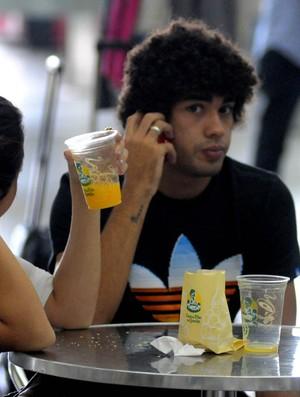 BRUNO MENDES APRESENTAÇÃO DA SELEÇÃO BRASILEIRA SUB 20 (Foto: André Durão/Globoesporte.com)